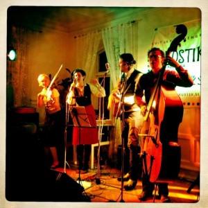 2012-05-06 Konsert: The Local Eedjits och Tall Dark Strangers – Gästis i Marieholm